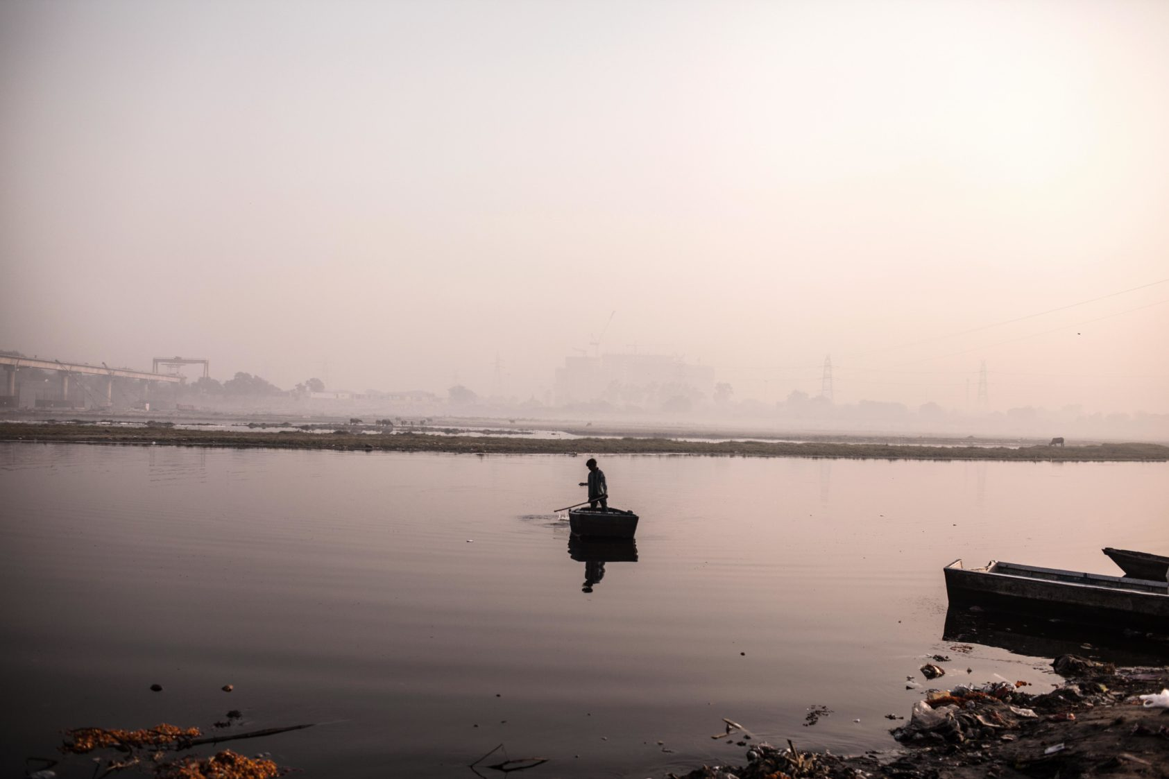 In search of dead bodies, number of people commit suicide by jumping into Yamuna River